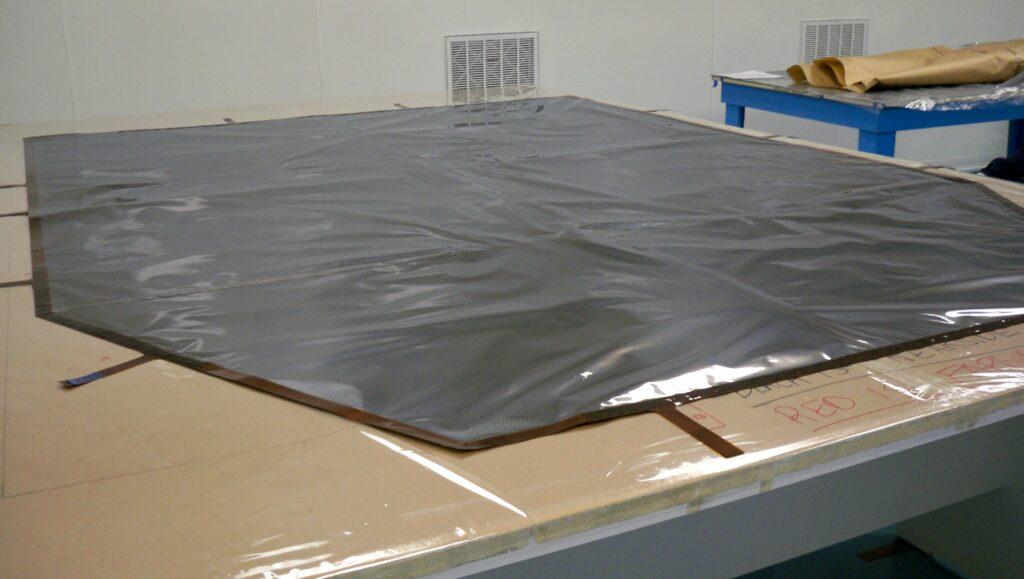 Sunshield Inboard with frame
